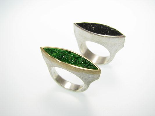 Ring in Silber mit Gold und Uwarowith und Kristallachat