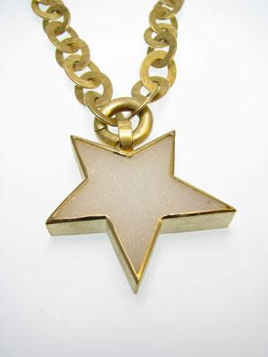 Kette in Gold mit Kristallachatstern