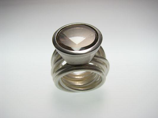 Ring in Silber mit Rauchquarz in Palladium