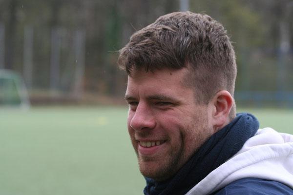 Freude bei Trainer Florian Jannicke (SSC Teutonia)