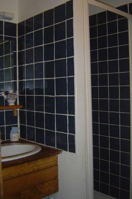 """Salle de bain de la chambre """"d'art"""""""