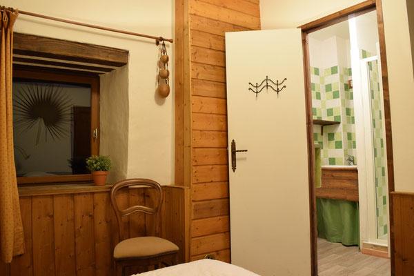 """Chambre """" Batik"""" avec salle-de-bain"""