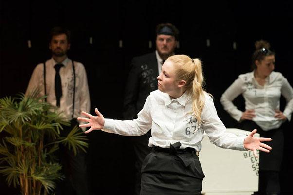 """""""TRUST"""" von Falk Richter // Produktion von tON / NOt // BRUX Freies Theater Innsbruck Foto © Daniel Jarosch 2019"""