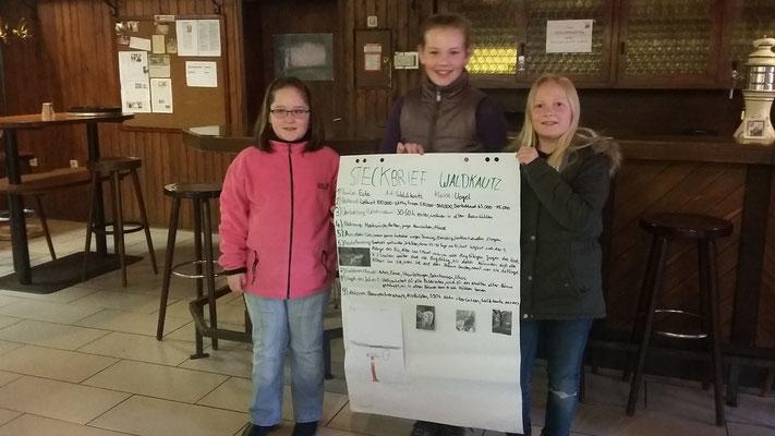 Joy, Lana und Lisa stellen ihren Steckbrief vor