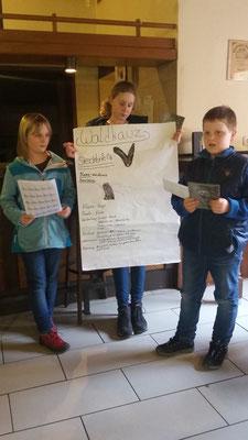 Lina, Saskia und Johannes stellen ihren Steckbrief vor