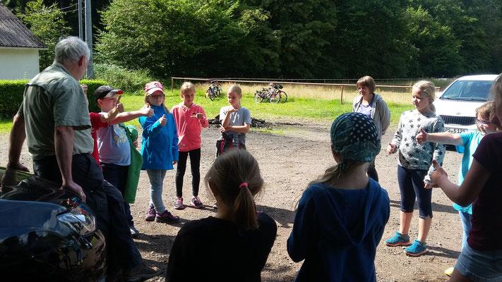 Die Kinder bewerten das Treffen.