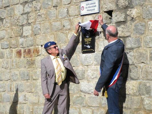 Dévoilement de la plaque en hommage au capitaine Ayerbe et au major Berring aaalat-languedoc-roussillon.fr