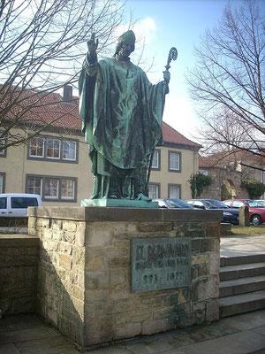 Bernwarddenkmal bis vor dem Domumbau