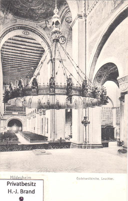Neoromanische Radleuchter gestiftet 1864 von Königin Marie von Hannover
