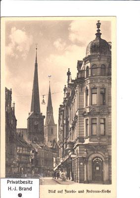 vorne der Jacobikirchturm, dahinter die Andreaskirche
