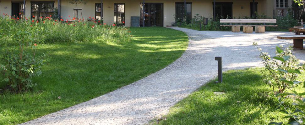 Gartenweg aus Bernburger Rogenkalk