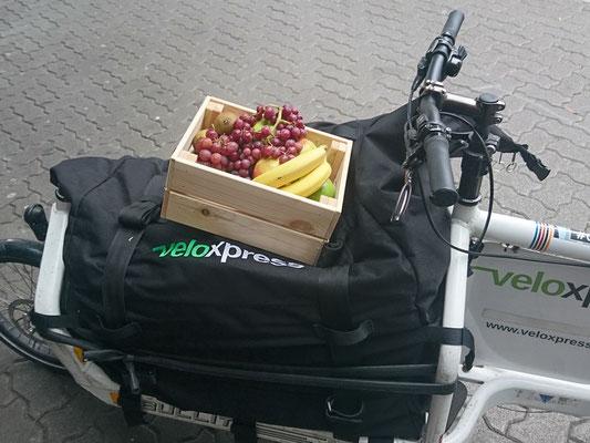 Eine umweltfreundliche Lieferung ist uns sehr wichtig, sodass wir auch mit Radkurieren zusammenarbeiten wo es möglich ist.