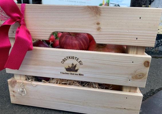 """Hier ein Beispiel der Kunden-Aktion """"pink"""" - mit überwiegend pink/roten Obst und Gemüse."""
