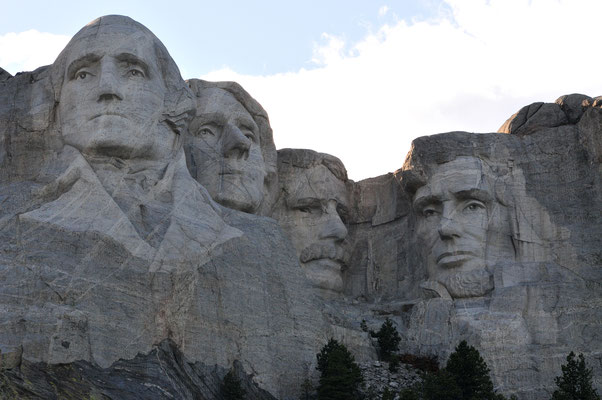 Mount Rushmore National Memorial / Black Hills, South Dakota