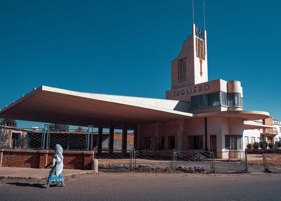 Ex stazione di servizio FIAT Tagliero (architetto Giuseppe Petazzi, 1938) - Asmara, Eritrea