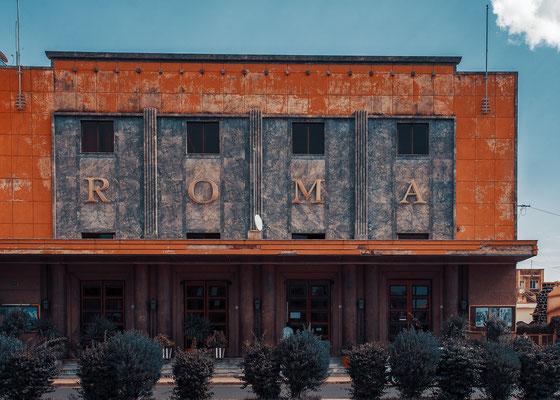 Cinema Roma (ex Cinema Dux - architetti Roberto Cappellano e Bruno Sclafati, 1938) - Asmara, Eritrea