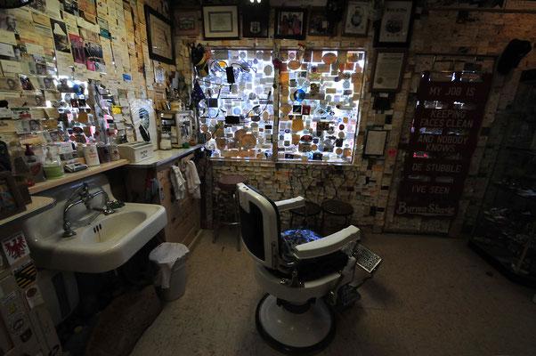 Delgadillo's Barber Shop / Route 66 - Seligman, Arizona