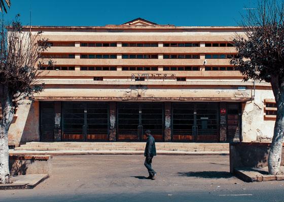 Ex Cinema Capitol (architetto Ruppert Saviele, 1938) - Asmara, Eritrea