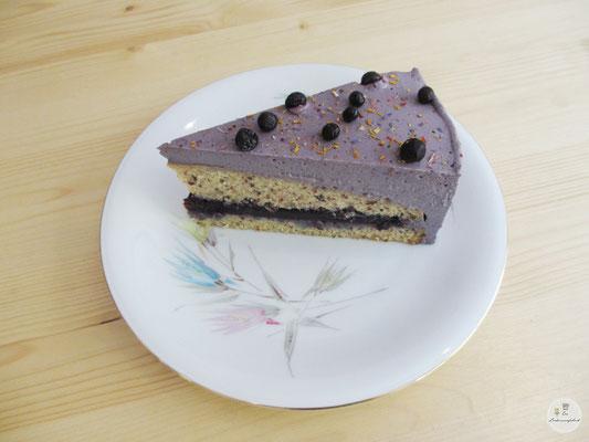 Johannisbeerwälder-Tortenstück