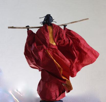 Berger Massaï dans le vent - H 35 x L 35cm x P 25cm