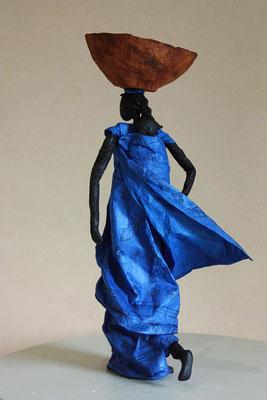Africaine à l'enfant - Papier Lokta retravaillé - H 36cm x L 16cm x P 24cm