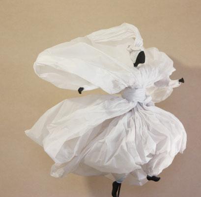 Course folle - Papier calque blanc - H 37cm x L 34cm x 38cm