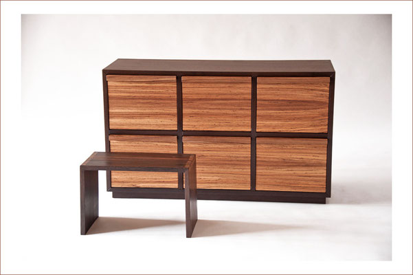 Hocker SOLITAIRE (+ REGISTERSCHRANK)