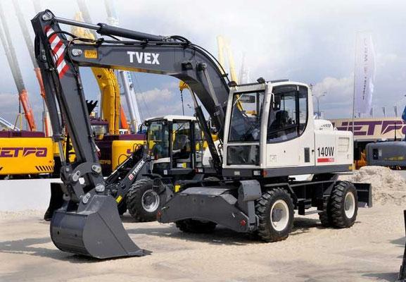 Колесный экскаватор TVEX-140W эксплуатационной массой 14,4 т с ковшом емкостью 0,8 м3