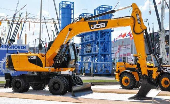 Колесный экскаватор JCB JS200W эксплуатационной массой 21,4 т с ковшом емкостью 1,19 м3