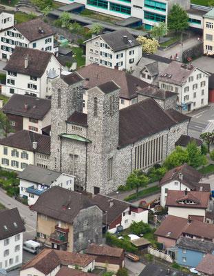 Römisch-katholische Dreikönigs-Kirche   Koord. 722768 213635