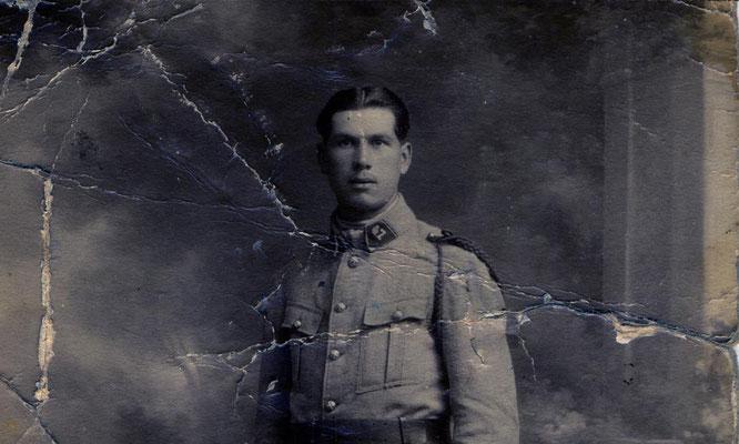 Portrait monochrome abîmé