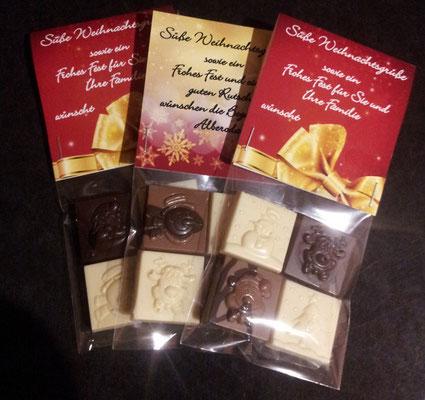 Vier Mini-Schokoladentafeln mit individueller Botschaft