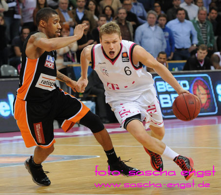Benas Veikalas Telekom Baskets Bonn Januar 2014