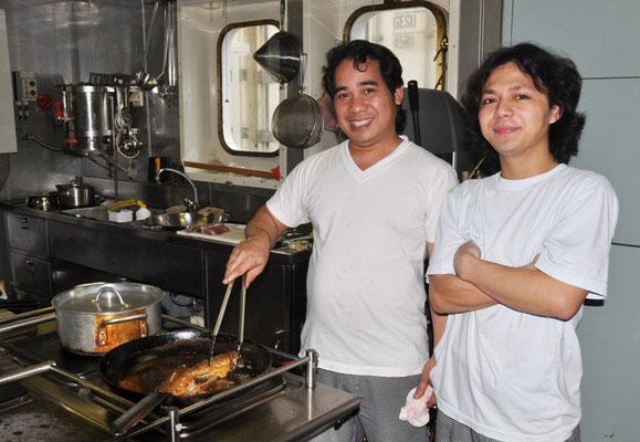 Küchenchef mit Messboy