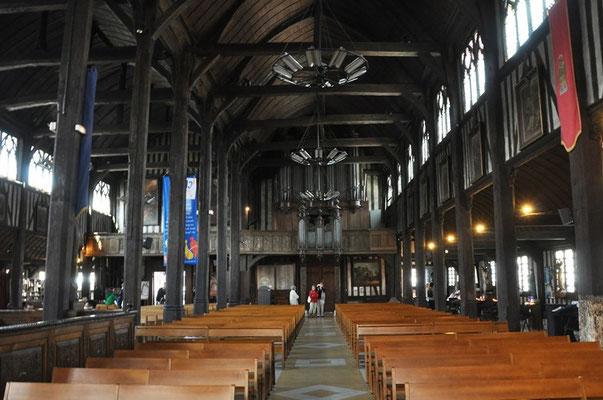 Honfleur, église tout en bois, aussi les clous