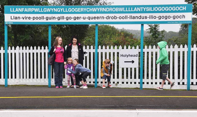 Wales, längster Bahnhofname der Welt?