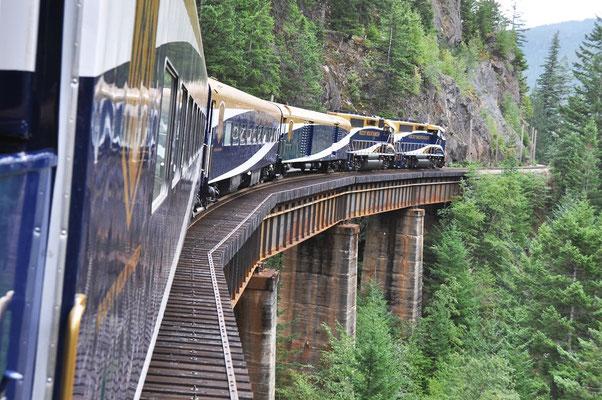 Viele Brücken und Tunnels