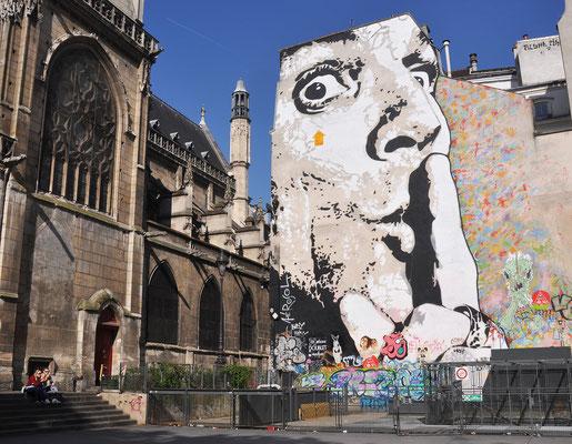 Platz vor dem Centre Pompidou