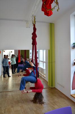 Aerial Yoga Vorführung