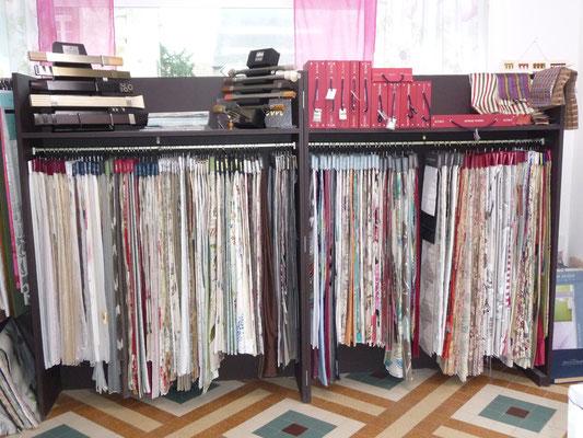 dans le magasin , un large choix de tissu, des plus contemporains aux classiques.