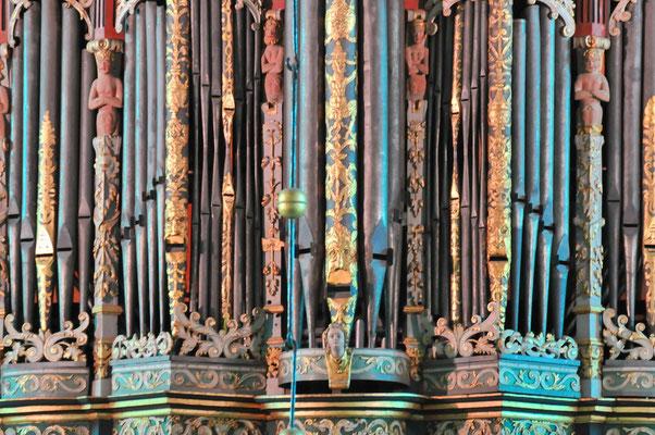 Bach-Böhm-Orgel, Ausschnitt<small><i> (Foto und Lizenz: Christoph Schönbeck)