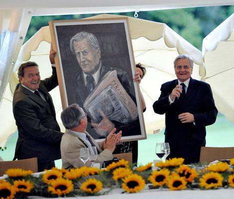 Portrait-Übergabe . Alt Bundeskanzler Gerhard Schröder . Jean-Claude Trichet Former President of the European Central Bank . Photo Credit hug Photos