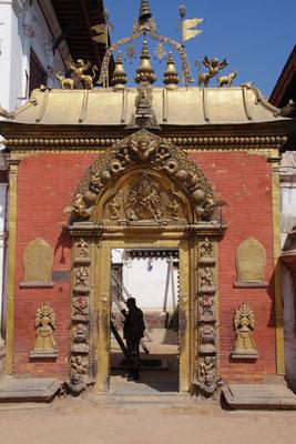 Das godene Tor, Eingang zu 99 Innenhoefen