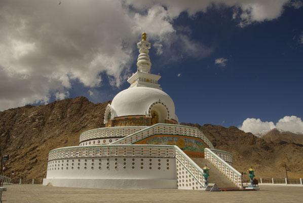 Leh, Shanti Stupa