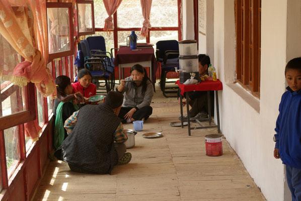 Saspochey: Mittagessen mit den Lehrern