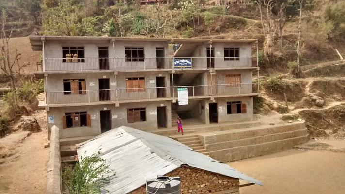 Im oberen Stock werden bald Türen und Fensterläden eingebaut
