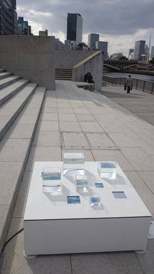 「再会」 昼間の展示風景 @天満橋 川の駅はちけんや