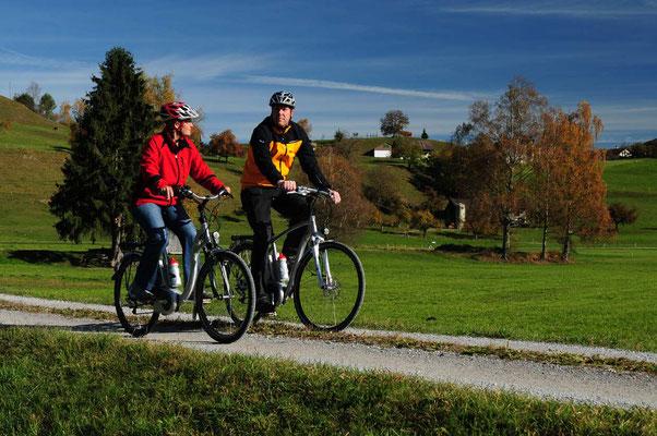 Mit dem E-Bike unterwegs auf der Stockental Route: das Reutigmoos