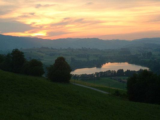 Abendstimmung am Amsoldinger See