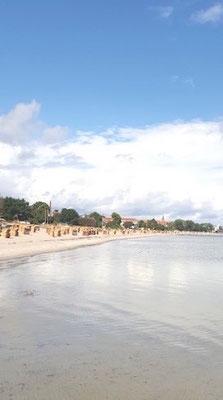 Strand Eckernförde als tolle Sommerferien Reise mit Freunden